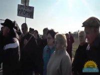 Местные жители нашли общий язык с украинскими военными. Проход к морю открыт.