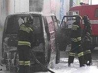 На Арабатской стрелке горел автомобиль Volkswagen-Transporter