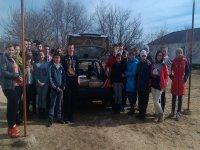 Счастливцевская школа передала волонтерам помощь для украинских военных.