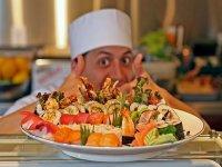 На летний период на б.о Арабатская Стрелка срочно требуются официанты,повара и др.